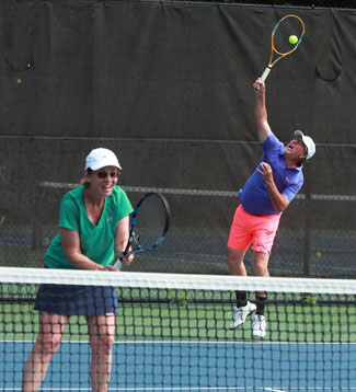GETA Doubles Tennis Players